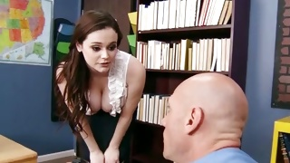 Sagged tittied kinky whore is getting her screwed naughty