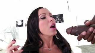 Nikki Benz gets a dirty face